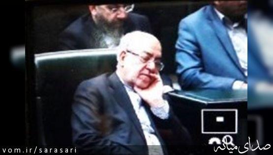 حواشی جلسه علنی رای اعتماد به سه وزیر پیشنهادی دولت؛از روبوسی نکردن عارف تا خواب نعمت زاده+تصویر