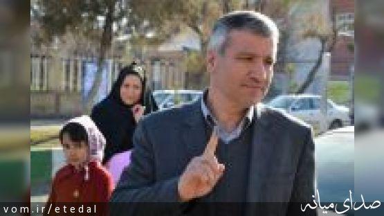 آریامنش؛ رئیس ستاد دکتر روحانی در شهرستان میانه ثبت نام کرد