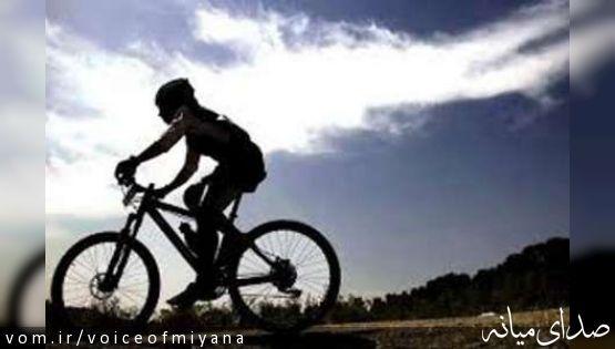 """""""حسین قره داغی"""" در صعود به قله دماوند ناکام ماند/دوچرخه سوار میانه ای نجات پیدا کرد"""