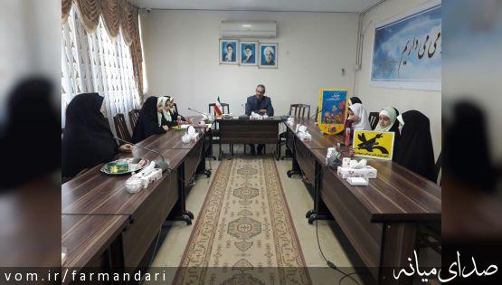 به مناسبت روز جهانی کودک / دیدار جمعی از کودکان با فرماندار میانه