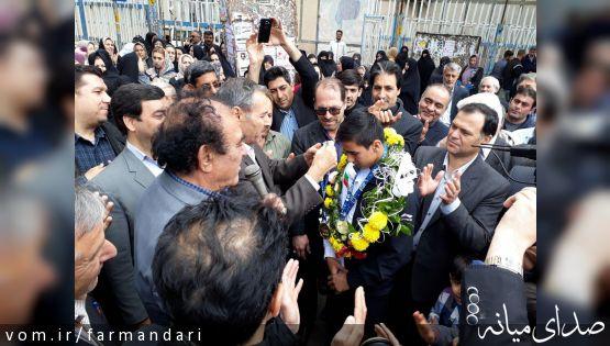 قهرمان تکواندوکار میانه ای در زادگاهش استقبال شد
