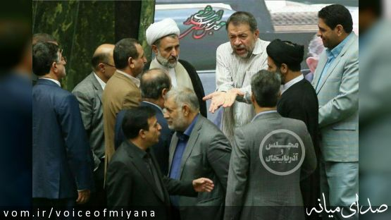 تحصن فرمند در مجلس بخاطر عدم رسیدگی به مشکلات خوزستان و اقتصاد /تصاویر