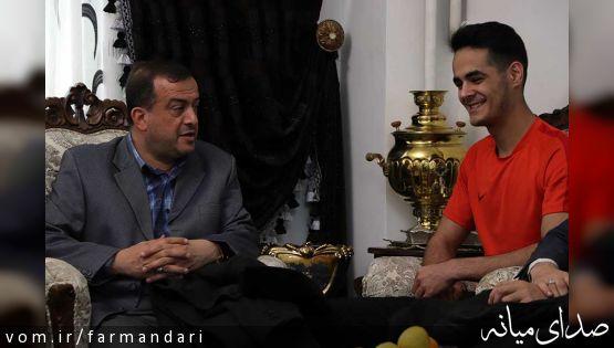 فرماندار ویژه میانه با حضور در منزل میرهاشم حسینی، کسب عنوان قهرمانی را به وی تبریک گفت