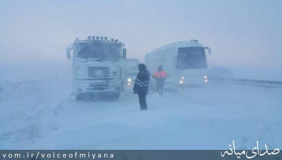اسکان ۱۴۵۰ نفر از مسافران گرفتار برف و کولاک، در شهرستان میانه