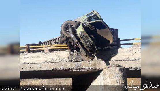 واژگونی تریلی در محور میانه-تبریز